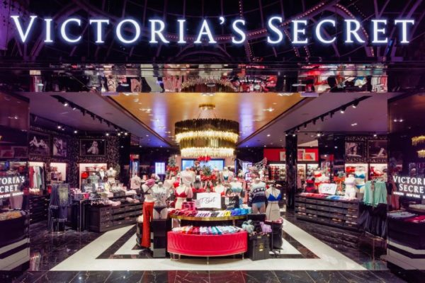 Firma privada compra 55% del capital de Victoria's Secret por $525 millones