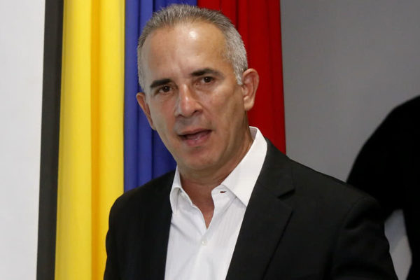 Bernal espera «avalancha»: más de 2.000 venezolanos retornaron desde Colombia en dos días