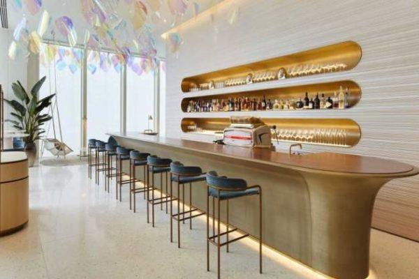 Louis Vuitton abre su primer café y restaurante en Japón