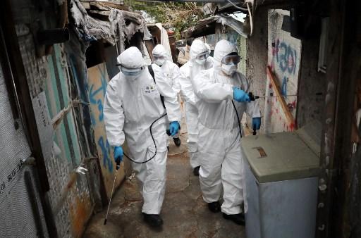 El mundo se acerca a 100.000 muertos por coronavirus y celebra la Semana Santa confinado