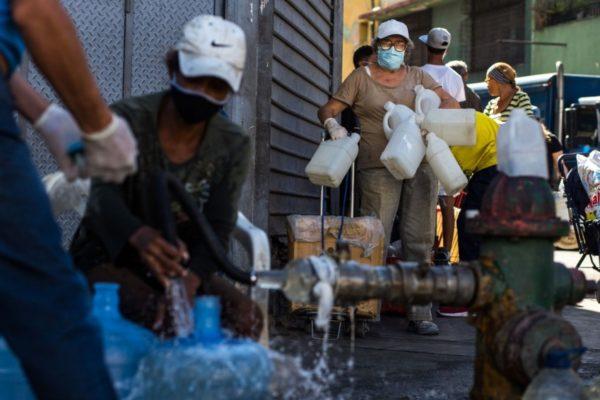 OVSP: 38,4% de los hogares venezolanos reciben agua de forma racionada