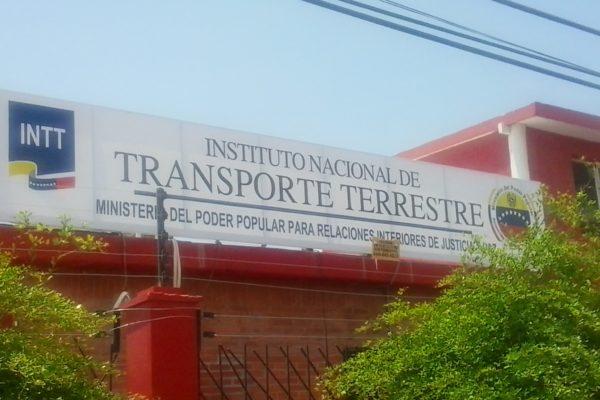 INTT implanta sistema en línea para renovar licencias de conducir