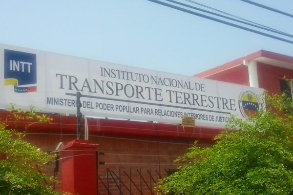Estas son las nuevas tarifas de trámites y servicios vehiculares del INTT