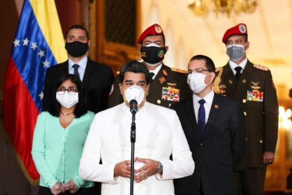 «Cero actos públicos»: Maduro llama a reforzar cuarentena ante aumento de casos de #Covid19