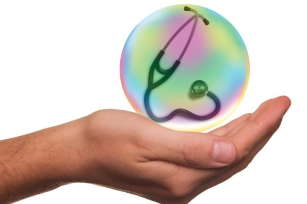 AN, Defensoría y Fiscalía activan comisión con clínicas privadas para enfrentar 'especulación con precios'