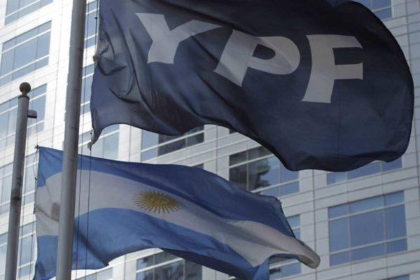 Petrolera YPF registró en 2019 pérdidas por $521 millones