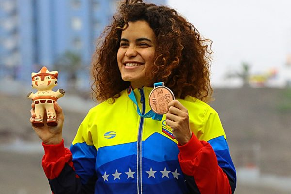 Medallista olímpica Stefany Hernández recupera la fe tras caer en desgracia