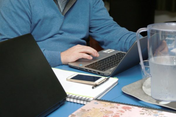 Encuesta | 65% de los trabajadores de América Latina no quiere regresar a sus oficinas