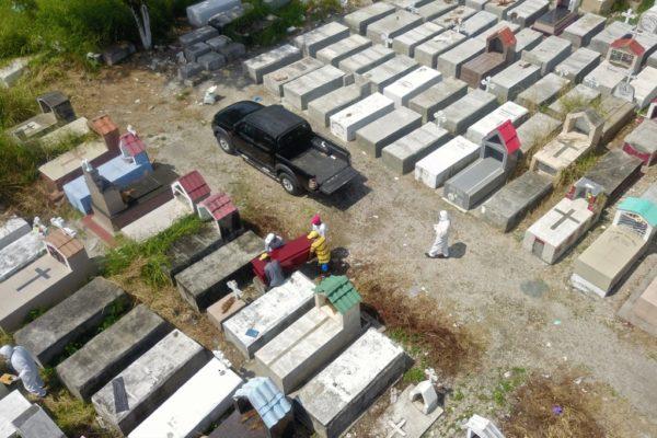 Guayaquil se quedó sin lugar para enfermos y muertos, dice su alcaldesa