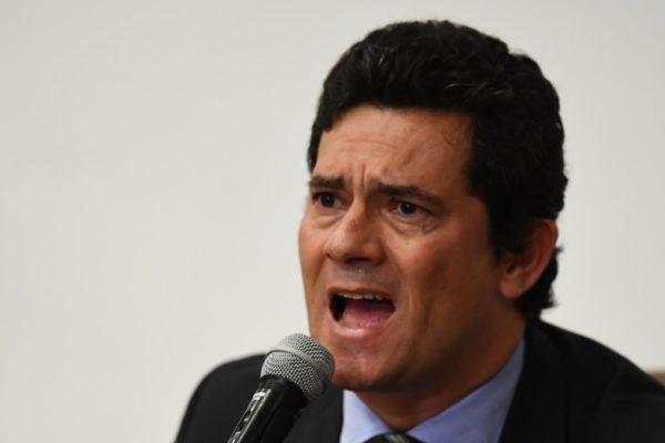 Renunció Sergio Moro, el ministro de Justicia de Brasil por presiones políticas