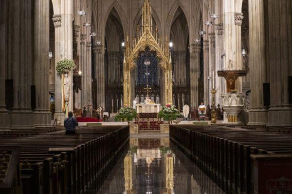 #Covid19 Mundo cristiano vive una pascua de resurrección inédita con más de 110.000 muertos