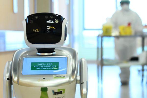 Los robots cuidan a los enfermos de coronavirus en Italia
