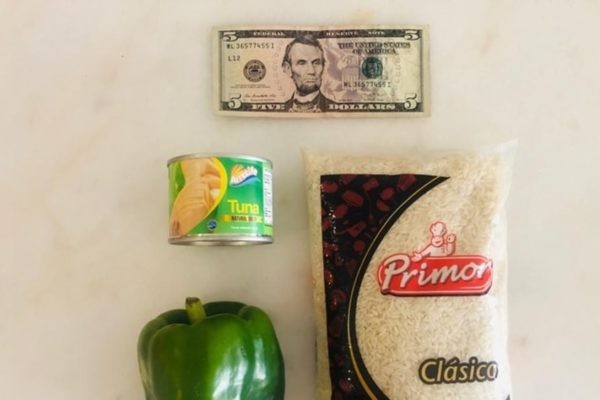 US$5 se convierten «en una referencia de lo insuficiente» en mercados de Venezuela
