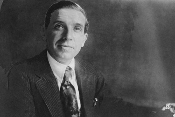 #TuBolsillo | Carlo Ponzi, el estafador que creó el aún vigente esquema piramidal