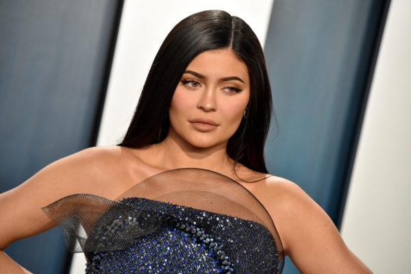 Forbes le quita el título de «billonaria» a Kylie Jenner por sus «mentiras»
