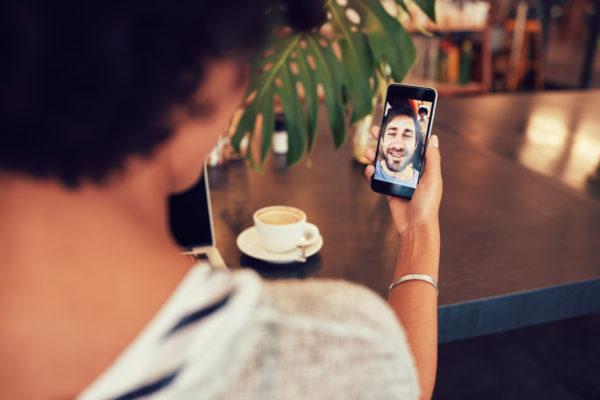 Este es el SIN swapping, un nuevo fraude informático a través de los teléfonos móviles