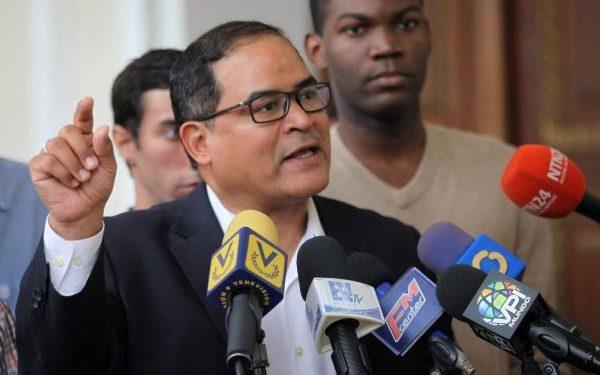 Oposición: 'vendieron a pérdida acciones de refinería dominicana no para comprar comida ni alimentos'