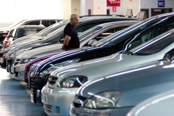 Ventas de automóviles en Brasil caerán un 40% por pandemia