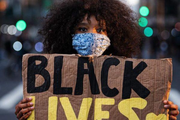 EE.UU conmemora el fin de la esclavitud en medio de estallido contra el racismo