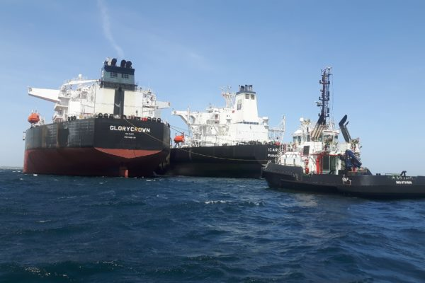 Cerca de 130.000 bpd de crudo venezolano llegaron a China en operaciones «buque a buque»