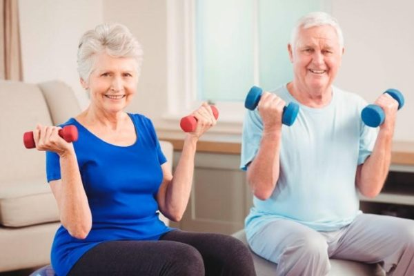 ¿Es adulto mayor? Esta es una rutina de ejercicios para mantenerse saludable