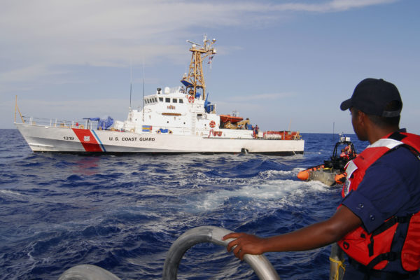 Guardia Costera de EE.UU incautó 970 kilos de cocaína cerca de Guyana