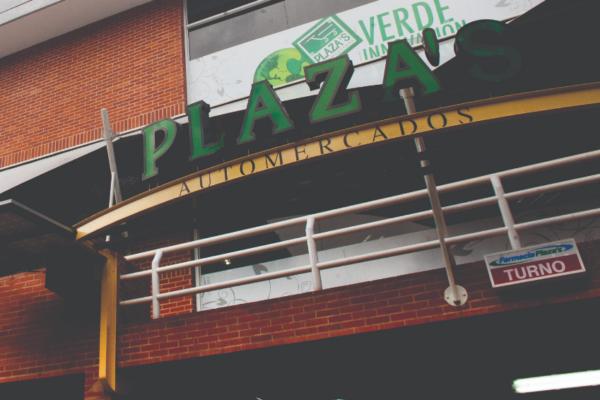 Automercados Plaza's cierra sucursal en Baruta a la espera de resultados de pruebas de Covid-19