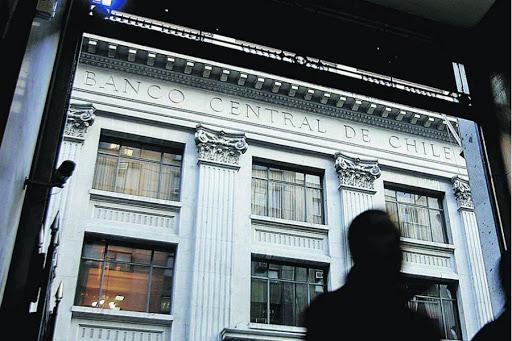 Banco Central de Chile prevé contracción de hasta 7,5% en 2020 por pandemia