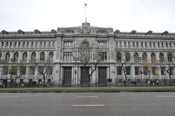 Banco de España prevé caída del PIB de hasta 15,1% en 2020 en el peor escenario