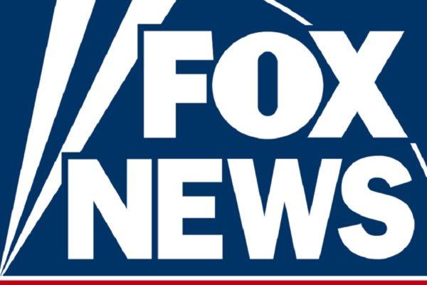Fox News se disculpa por mostrar vinculación de alzas bursátiles con crímenes racistas