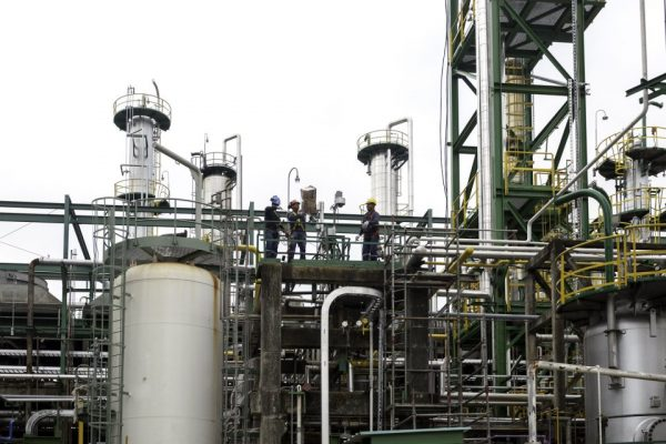 Refinería de Esmeraldas, la más grande de Ecuador, tendrá una gestión público-privada
