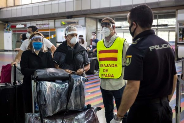 Con cuatro días de retraso: Venezuela autoriza vuelo humanitario a España