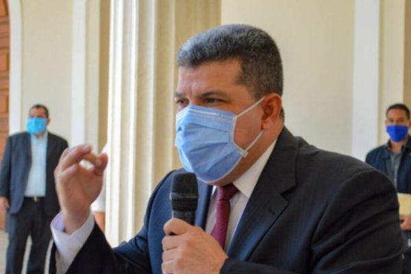 Luis Parra permanecerá hospitalizado en Caracas pese a dar negativo a #Covid19