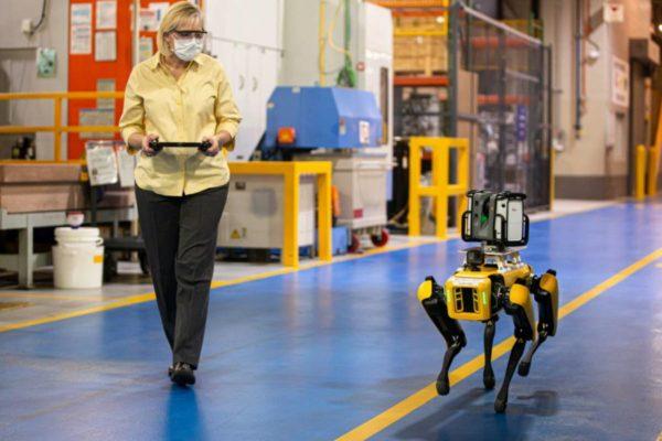 Ford utilizará perros robot para crear un modelo digital de sus plantas