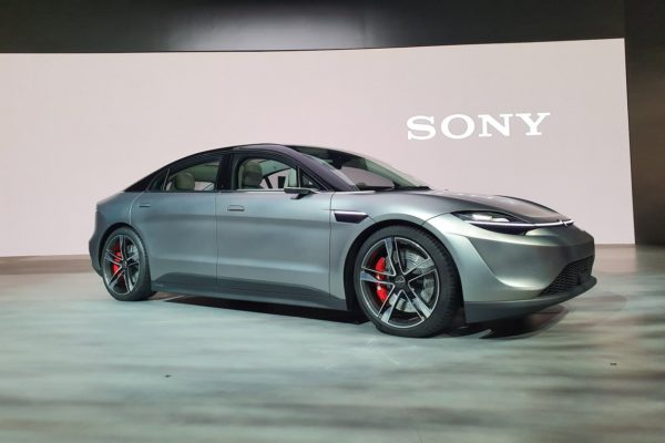 Sony presenta vehículo eléctrico para poner a prueba alta tecnología