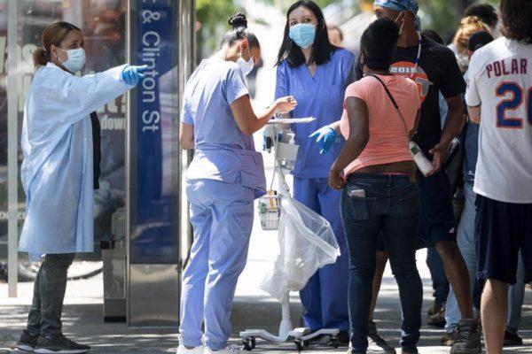 ¿Por qué el coronavirus sigue golpeando con fuerza a EEUU?