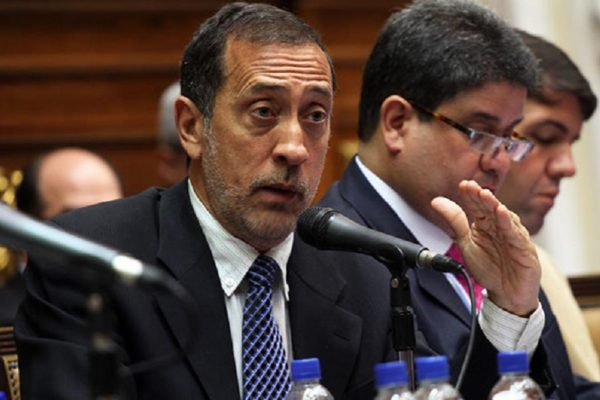 José Guerra: «con la Ley Antibloqueo se deroga de facto la Constitución»