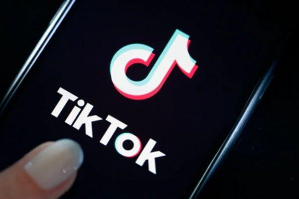 Renuncia director ejecutivo de TikTok en medio de tensiones entre EEUU y China
