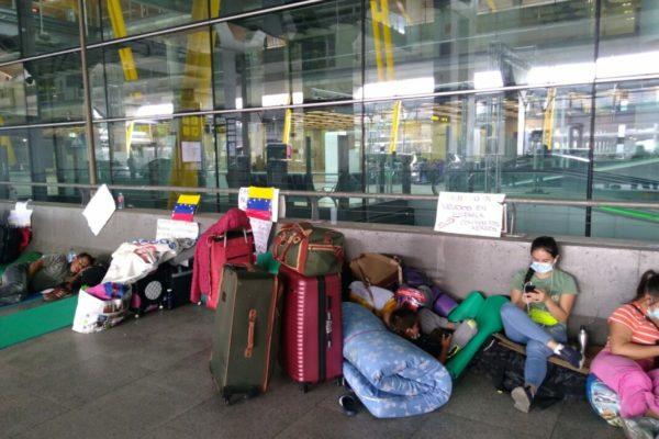 AN: Gobierno impide retorno al país de más de 3.000 venezolanos