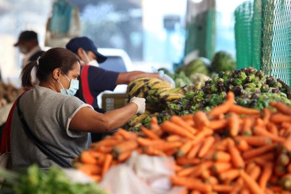 Cesta Petare de alimentos básicos subió 0,91% a Bs.5.858.000 o US$19,76