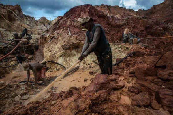 «La cooperación» entre empresas chinas y grupos irregulares para la explotación del Arco Minero