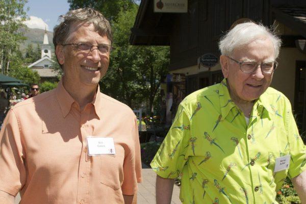 Conozca el original mensaje de Bill Gates por los 90 años de Warren Buffett