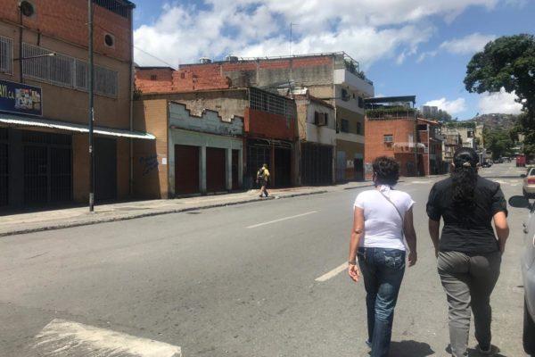 Cerraron varios comercios no priorizados en Catia por incumplir cuarentena radical