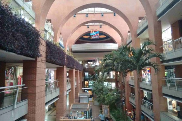 Centros comerciales vacíos: Tasa de desocupación oscila entre 12% y 20% a nivel nacional