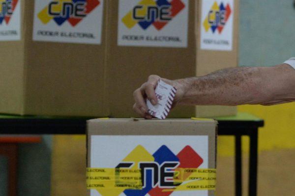 #Parlamentarias2020 La «oposición» votante inscribe un «chiripero» de partidos