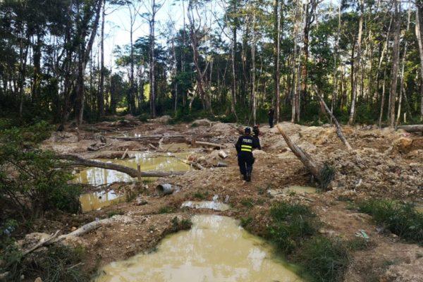 Investigan extracción ilegal de oro por 60 millones de dólares en Costa Rica