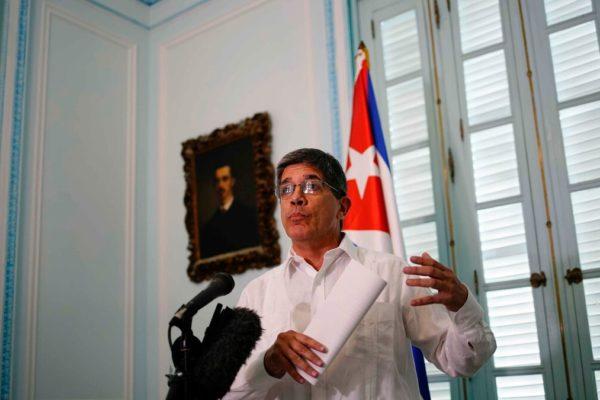 Cuba considera «electoralista» suspensión de vuelos chárter privados de EE.UU