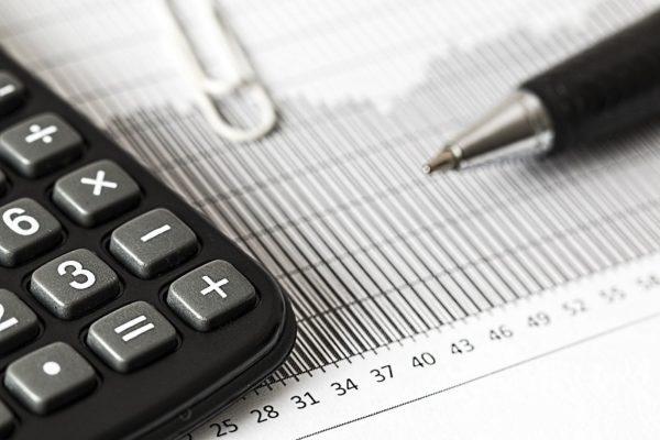 Opina gerente financiero: indexación hace recomendable limitar endeudamiento bancario