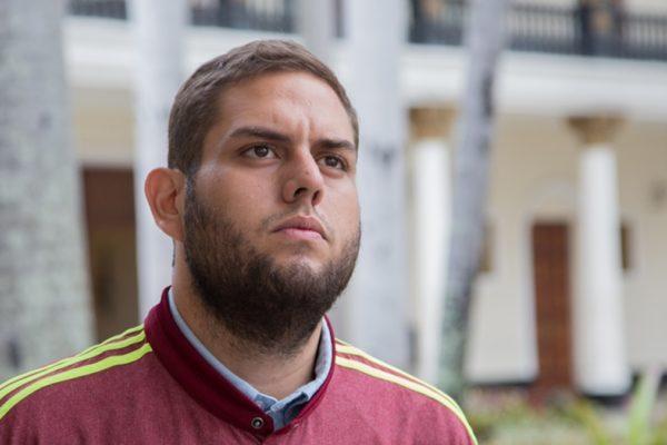 Diputado Juan Requesens recibe medida de casa por cárcel