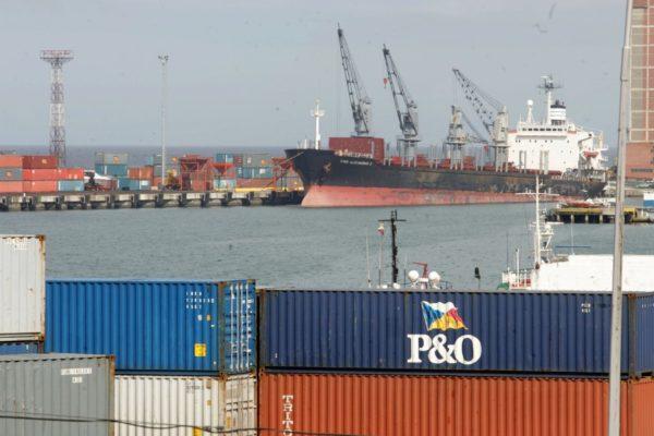 Solo 60 de 1.200 agentes aduaneros se mantienen operativos en La Guaira
